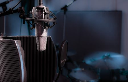 音楽の世界:オンラインレッスン事情・オンラインサービス情報 +「人に会う」ということ