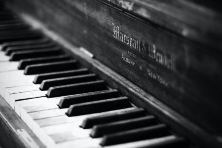 ジャズピアニスト/Bill Evans「A child is born」